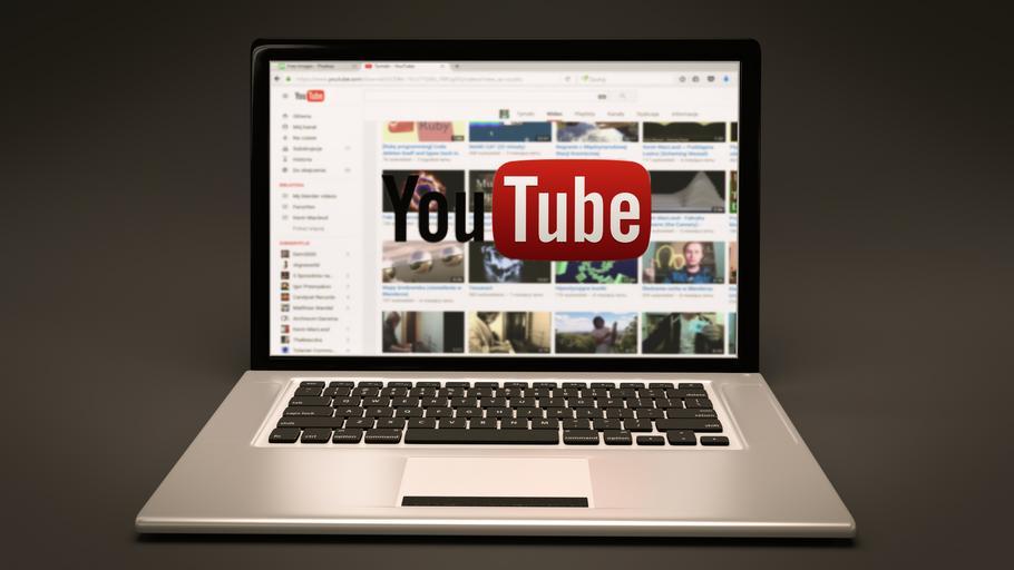 Youtube na monitoru.jpg
